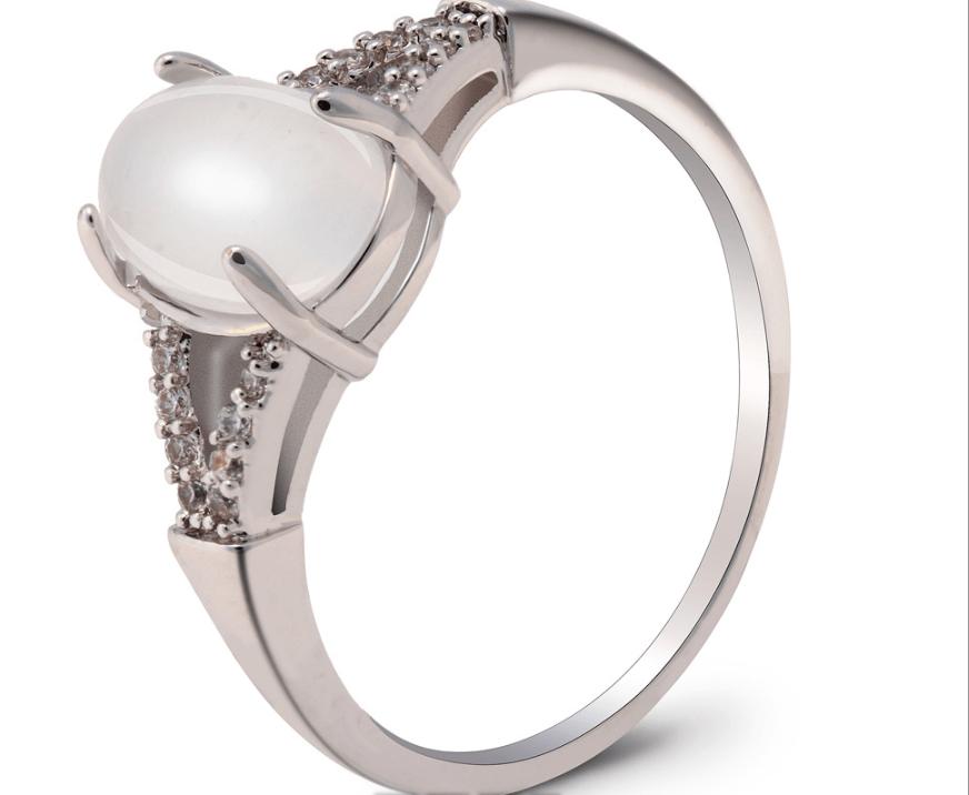 Bague fantaisie argentee avec perle de verre image 2020