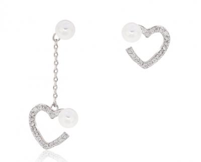 Boucles d'oreilles symétrique en forme de coeur