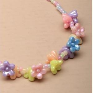 Collier fantaisie enfant pendentif fleurs pastel