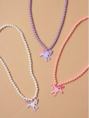 Collier à breloque licorne et perles nacrées enfant fille