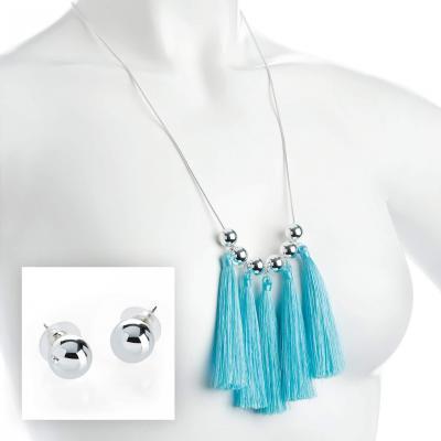 Collier fantaisie pour femme avec pompons bleu ciel