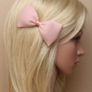 Idee coiffure avec noeud en mousseline