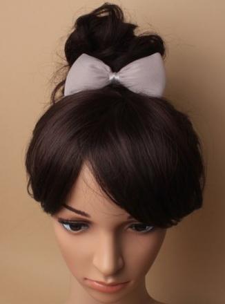 Idee coiffure enfant avec noeud en mousseline