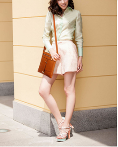 Idee de tenue avec sac bandouliere marron