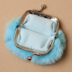 Porte monnaie fausse fourrure bleu