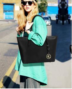 Total look sac cabas noir pour femme